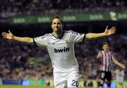 http://as01.epimg.net/futbol/imagenes/2013/04/14/primera/1365975176_051665_1365975232_noticia_normal.jpg