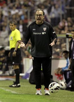 http://as01.epimg.net/futbol/imagenes/2013/04/14/primera/1365975424_128565_1365975531_noticia_normal.jpg