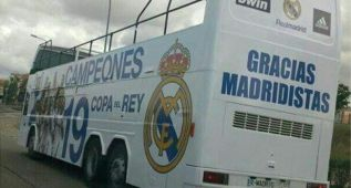 El autobs de campen del Madrid vuelve a la cochera