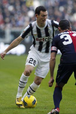 El Real Madrid y la Juventus negocian por Lichtsteiner