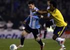Higuaín vio la roja y Messi no pudo levantar a Argentina