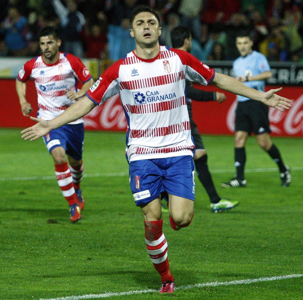El Liverpool ya negocia por Siqueira y prepara una oferta