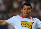 El Sevilla acuerda el traspaso de Medel al Cardiff City