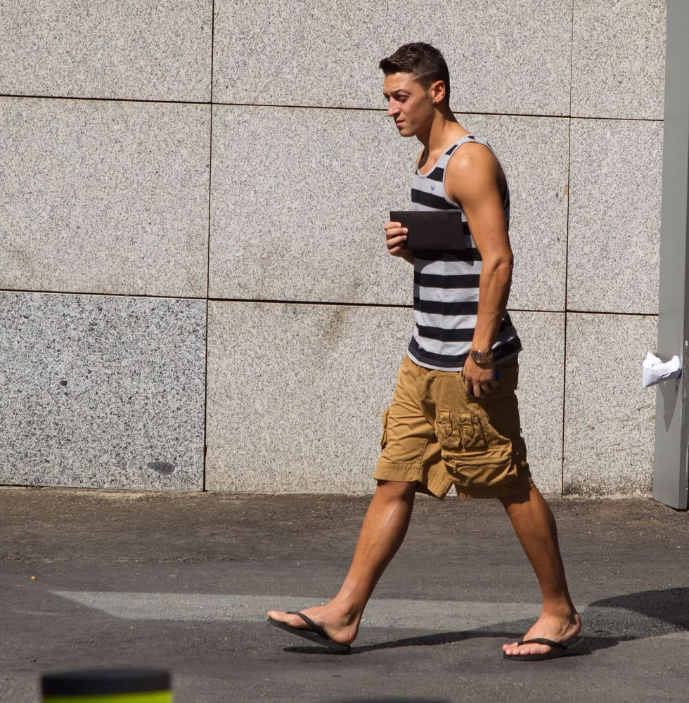 Özil viajó a Granada pensando en su posible salida al United