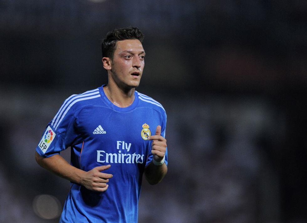 """Özil: """"Mi decisión es clara: me quedo en el Real Madrid"""""""