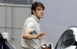 Arsenal & Manchester United are two of 4 clubs attempting to sign Kaka [AS]