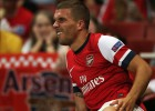 Según Bild, Podolski será baja 'alrededor de tres meses'