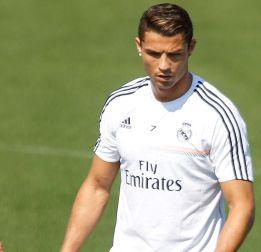 Cristiano Ronaldo se trató ayer para estar listo ante el Villarreal