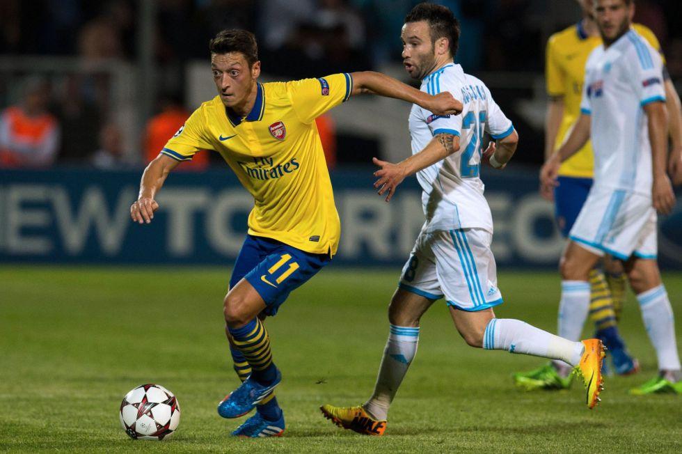 La mayor pegada del Arsenal de Özil acaba con el Marsella - AS.com