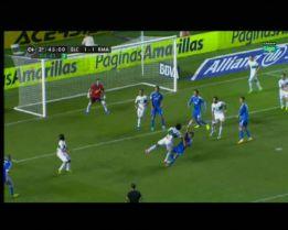Muñiz la armó al pitar penalti en un forcejeo entre La Roca y Pepe