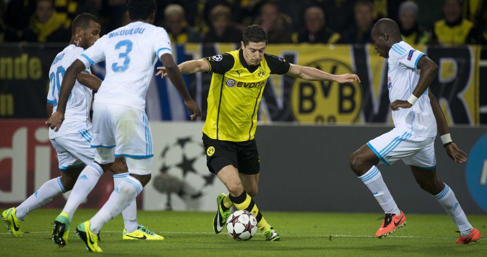 Robert Lewandowski se puede fichar por 20 millones de euros