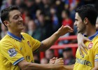 Arteta, goleador y expulsado, guía al Arsenal a la victoria