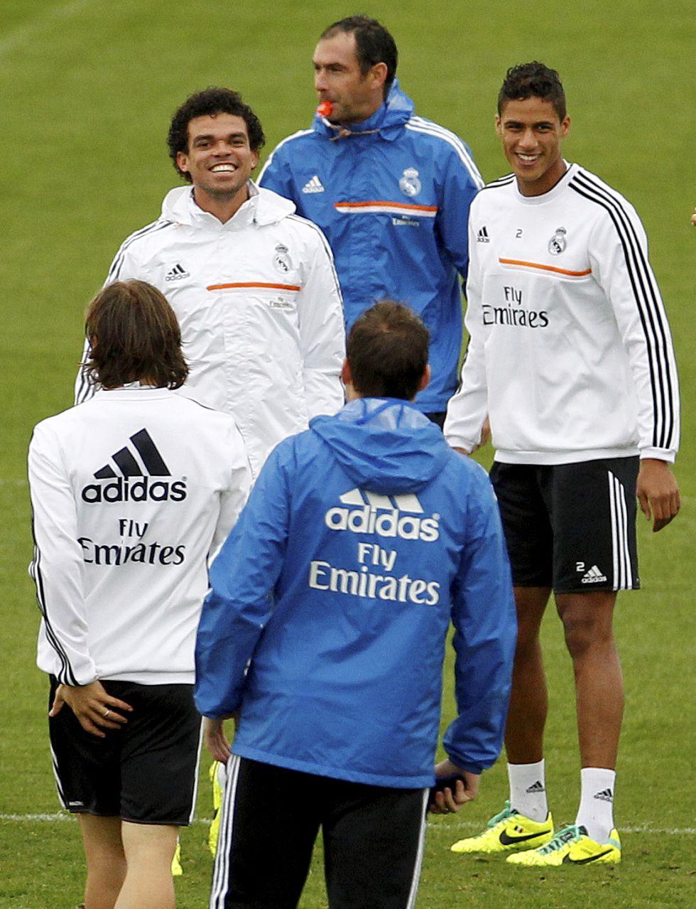 Pepe y Varane, la pareja de centrales favorita de Ancelotti - AS.com