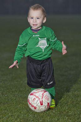 Un club de fútbol belga ficha a un niño de ¡20 meses!