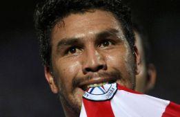 Salvador Cabañas intenta regresar al fútbol en Brasil