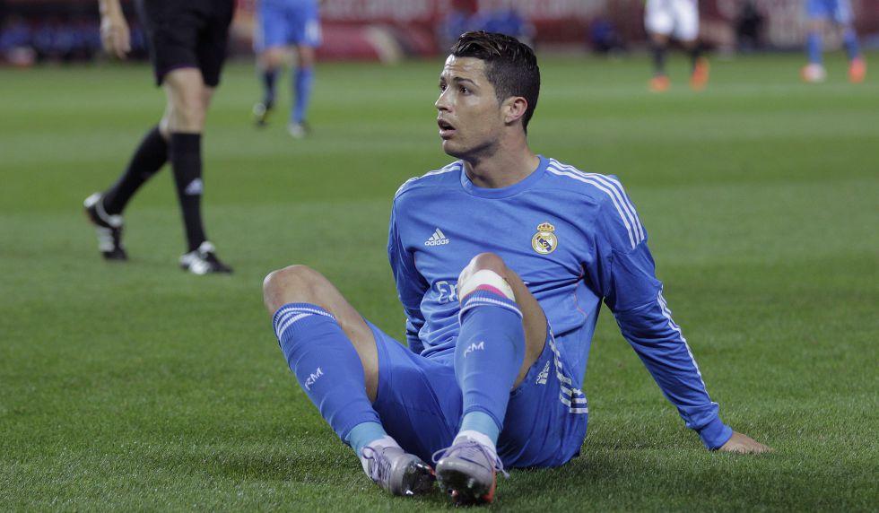 Cristiano Ronaldo está jugando con molestias en el rotuliano