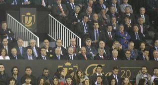 El Rey llegó a tiempo a Mestalla para darle la Copa a Casillas