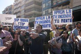 Protesta en favor del jóven que lanzó el plátano a Dani Alves