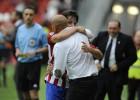 Abelardo debuta en el Sporting con un apurado triunfo