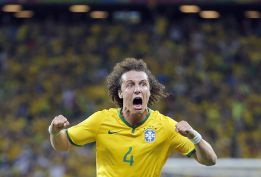Brasil se agarra a sus centrales