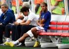 Neymar fue ovacionado al pisar el césped; Scolari, abucheado