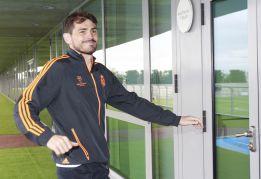 Iker Casillas: pacto para salir libre del club merengue en 2015