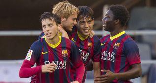 El Barça B celebra un tanto