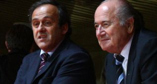 Platini descarta presentarse a la presidencia de la FIFA