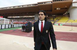 Sorpresa: Radamel Falcao firma por el Manchester United