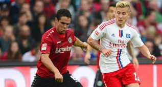 El Hamburgo cae al farolillo rojo tras perder en Hannover