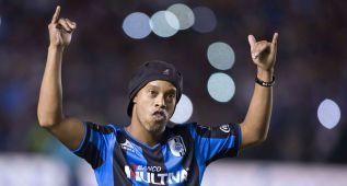 """Un político mexicano llama """"simio"""" a Ronaldinho"""