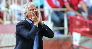 Rutten cree que el Sevilla puede acabar primero del grupo