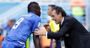 """Balotelli dispara contra Prandelli: """"No es un hombre"""""""