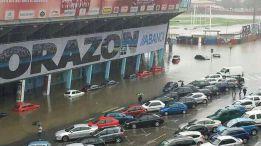 El temporal y el mal tiempo inundan el estadio de bala dos for Oficinas bbva vigo