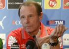 Berti Vogts acaba su aventura como técnico de Azerbaiyán