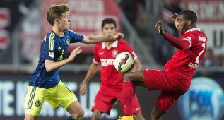 El Ajax empata con el Twente antes de visitar el Camp Nou