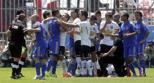 Varios heridos y 60 detenidos en el superclásico chileno