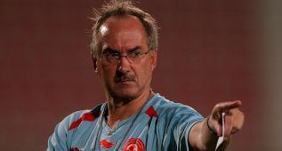 """Stielike: """"Conozco Qatar y allí el Mundial debe ser en noviembre"""""""