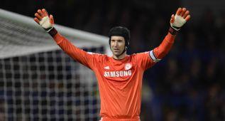 Mou le ofrece a Cech jugar la Champions en lugar de Courtois