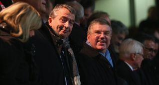 Europa medita presentar un candidato a FIFA contra Blatter
