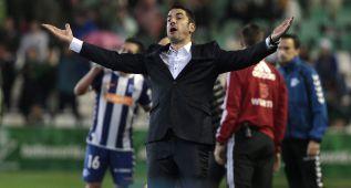 """Velázquez: """"Me hubiera gustado vivir un ascenso con el Betis"""""""