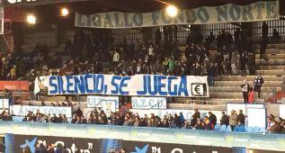 """Los Ligallo sacaron una pancarta que decía """"silencio, se juega"""""""