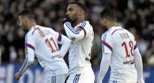 Lacazette podría perderse los partidos ante Mónaco y PSG