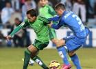 Un gol de Sarabia rescata del patíbulo a Diego Castro