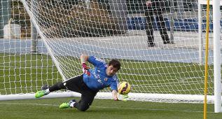 Casillas da una pista: está en el anuncio de la nueva camiseta