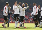 El United doblega al Liverpool en Anfield con doblete de Mata