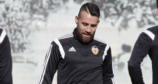 El Valencia remitirá a la cláusula a quien quiera fichar a Otamendi