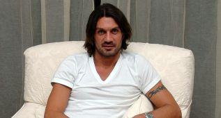 Maldini podría coincidir con Xavi en Qatar, donde tratará a su hijo