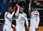 El Lyon resiste con diez ante el Saint Etienne y sigue líder