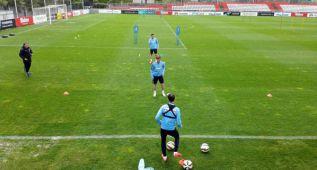 Mario Suárez se entrenó con el grupo y está disponible
